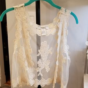 Pinky. Cream color Lace Vest S.